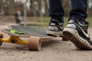 how to push a longboard for beginners